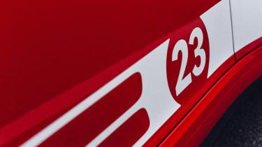 Porsche 911 Carrera 4 GTS - 23