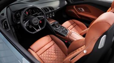 Audi R8 V10 Performance RWD – Spyder interior