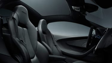 McLaren 570GT Black Collection - cabin
