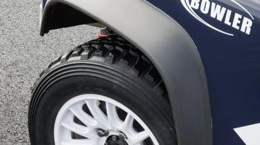 Land Rover Defender Challenge wheel Kumho tyre