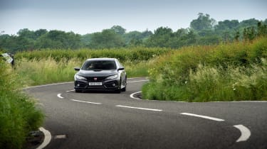 Honda Civic Type R Sport Line – front cornering