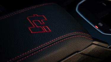 BMW 128ti - interior