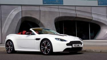 Aston Martin V12 Vantage roadster revealed
