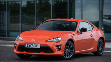 Toyota GT86 Orange Edition front three-quarters close