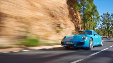 Porsche 911 Carrera S 991.2 - front driving