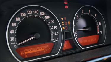 BMW hydrogen 7 dials