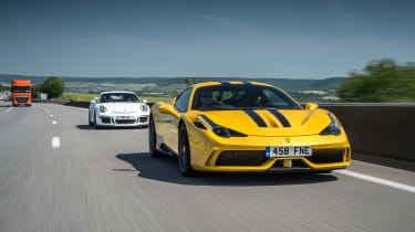 Ferrari 458 Speciale and 911 GT3 - front tracking
