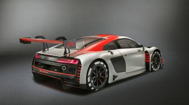 Audi 2018 R8 LMS front quarter - rear quarter