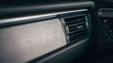 Porsche Macan – dash inlay
