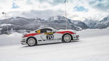 Porsche Cayman GT4 Rallye - side