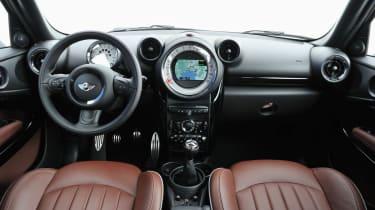 Mini Paceman Cooper S interior dashboard