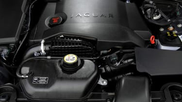 Jaguar XF 2.7D engine