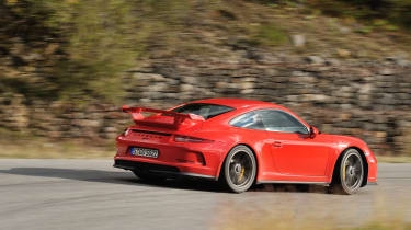 Porsche 911 GT3 2013 red side profile
