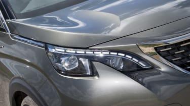 Peugeot 3008 GT headlight