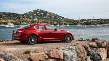 Maserati Ghibli 2016 - rear red