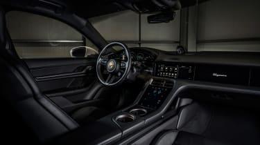 Porsche Taycan rwd - coffee interior