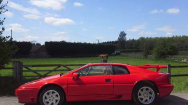Lotus Esprit Turbo - side