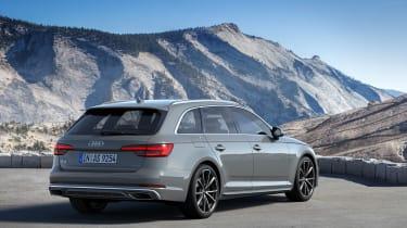 Audi A4 refresh 2018 - rearquarter