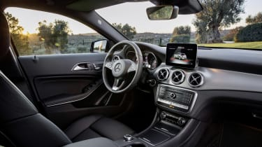 Mercedes-Benz GLA (2017) interior 2