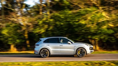 Porsche Cayenne Turbo S e-hybrid – side