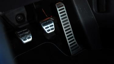 Volkswagen Golf R Mk6 - pedals