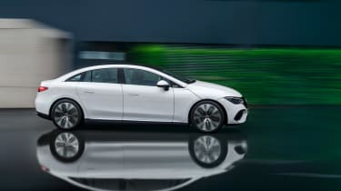 Mercedes-Benz EQE – side