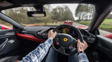 Ferrari turbos 488 F40 - interior