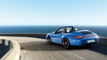 Porsche 911 Carrera 4 GTS news and pictures