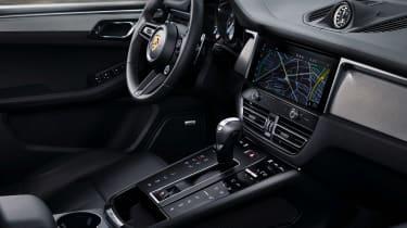 2021 Porsche Macan S – console