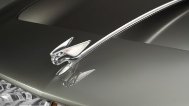 Bentley EXP 100 GT - bonnet