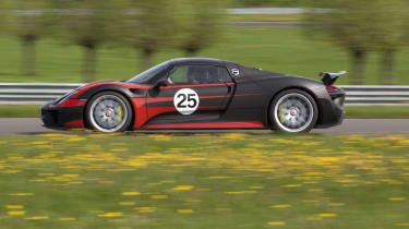 2013 Porsche 918 Spyder side profile