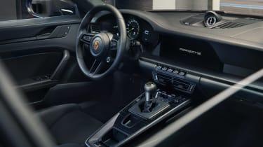 Porsche 911 GT3 Touring – cabin