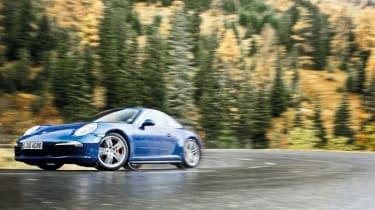 Porsche 911 Carrera 4S front action