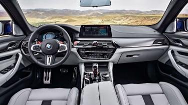 BMW M5 F90 - Blue interior