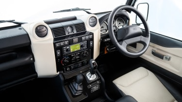 Land Rover Defender Works V8 – interior