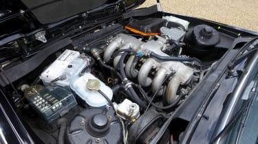 Alpina B6 engine