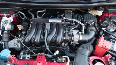 Honda Jazz Sport – engine