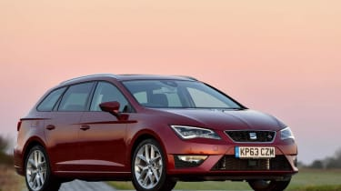 SEAT Leon FR ST red front