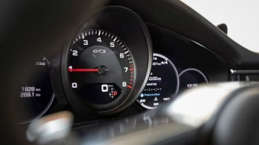 Porsche Panamera GTS - dials