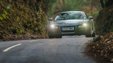 Audi R8 V8 car pictures