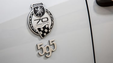 Abarth 595 Esseesse - badges