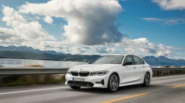 BMW 3-series G20 revealed - Sport front quarter