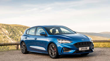 Ford Focus ST-Line review - front quarer