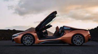 BMW i8 Roadster - door