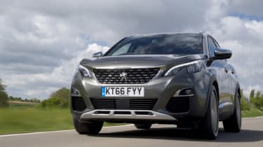 Peugeot 3008 GT front tracking
