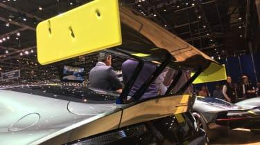 Aston Martin Vantage AMR - Wing