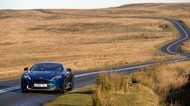 Aston Martin Vanquish S - front