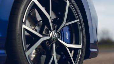 Volkswagen Golf R 2021 review - wheel