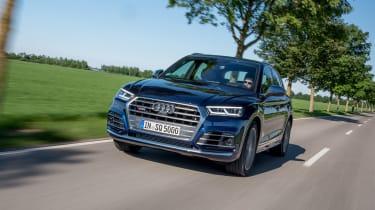 Audi SQ5 TFSI - front tracking