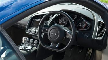 Audi R8 V10 interior
